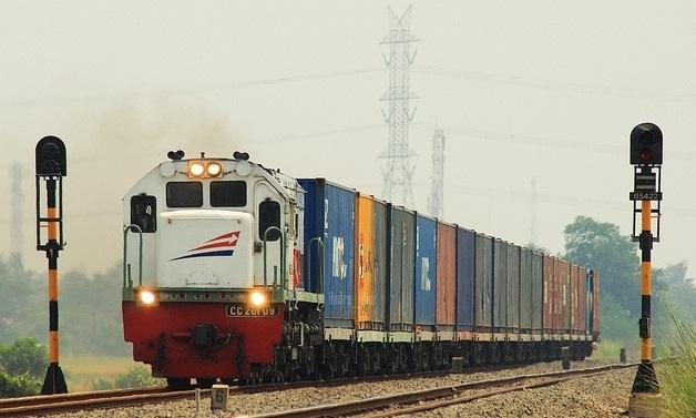 Jalur Logistik KA Makassar-Parepare<br/>Diincar Tujuh Investor